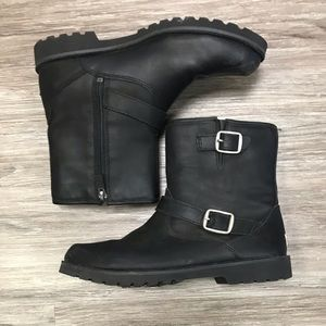 Ugg Harwell Kids Boot with zipper. Size 6